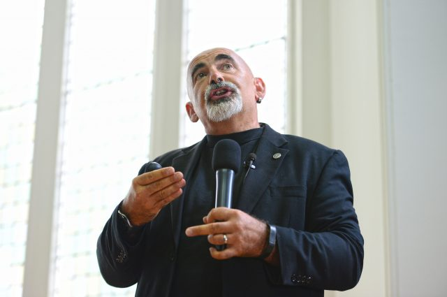 Teacher and researcher Dylan Wiliam delivering his session on why teaching will never be a research-based profession