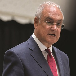 Michael Wilshaw: Heads should report destination of all 'deleted' pupils