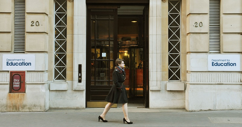 Female civil servants in DfE paid 6% less than men